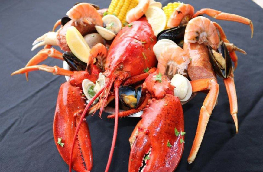 Florida's best seafood at the Crazy Lobster Destin