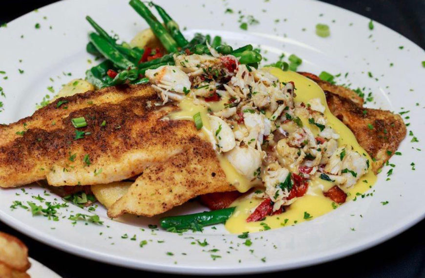 Florida's finest seafood dishes at the Crazy Lobster Destin